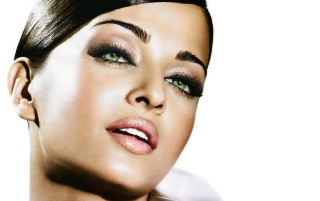 Aishwarya Rai 2 wallpapers and stock photos