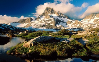 Banner Peak wallpapers and stock photos