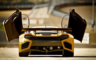 Random: Yellow McLaren rear