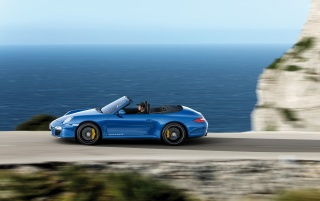 Carrera 4 GTS by the sea wallpapers and stock photos