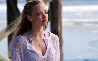 Amanda Seyfried In Dear John wallpapers and stock photos