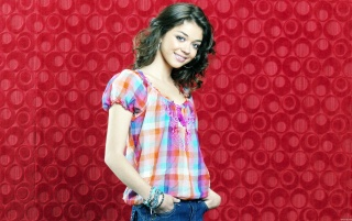 Sarah Hyland wallpapers and stock photos