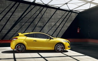 Renault Megane RS Trophy side wallpapers and stock photos