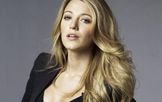 Random: Blake Lively Close-up 2