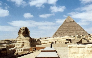 Große Sphinx und Pyramide wallpapers and stock photos