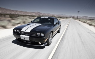 Random: Dodge Challenger SRT8 392 Speed