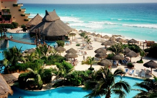 Random: Cancun Island Shore