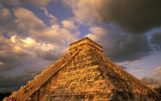 Chichen-Itza Pyramid wallpapers and stock photos