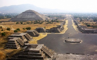 Teotihuacan wallpapers and stock photos