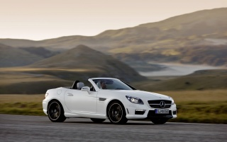 Next: Mercedes Benz SLK 55 AMG Right Side Speed