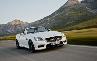 Previous: Mercedes Benz SLK 55 AMG Top Down Speed