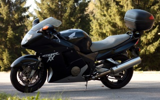 Honda CBR 1100xx Blackbird wallpapers and stock photos