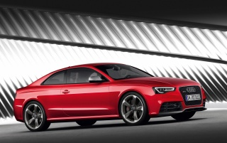 Random: Audi RS5 Front and Side 3