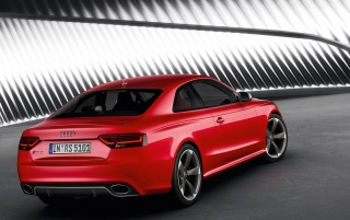 Random: Audi RS5 Rear and Side 3