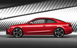 Audi RS5 Side 3 wallpapers and stock photos