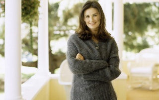 Demi Moore Cosy Sweater wallpapers and stock photos
