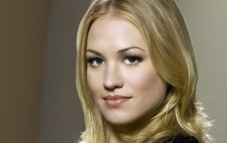 Yvonne Strahovski Closeup wallpapers and stock photos