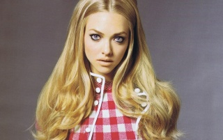 Amanda Seyfried Innocent wallpapers and stock photos