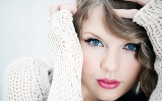 Taylor Swift Blue Eyes wallpapers and stock photos