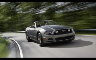 2013 Ford Mustang wallpapers and stock photos