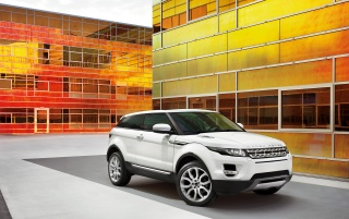 2011 Range Rover Evoque Front Angle wallpapers and stock photos