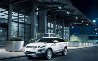 2011 Range Rover Evoque Night wallpapers and stock photos