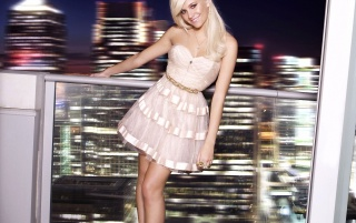 Pixie Lott Cute Dress wallpapers and stock photos