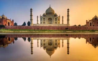 Taj Mahal wallpapers and stock photos