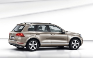 New VW Touareg Hybrid Studio wallpapers and stock photos