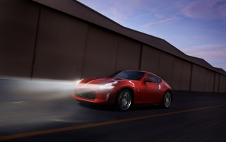 Random: Nissan 370Z Magma Red Night