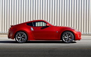 2013 Nissan 370Z Magma Red Side wallpapers and stock photos