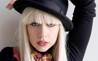 Random: Lady Gaga Blonde