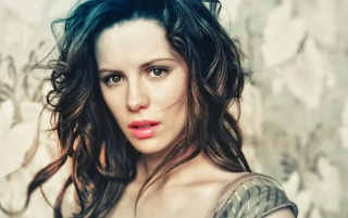 Random: Kate Beckinsale Beauty