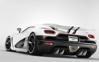 Koenigsegg Agera R ángulo trasero wallpapers and stock photos