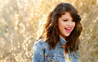 Selena Gomez video wallpapers and stock photos