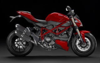 Random: Red Ducati Streetfighter 848 Side