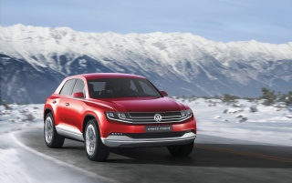 2012 Volkswagen Cross Coupe Concept Front Angle Speed wallpapers and stock photos