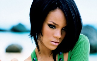 Rihanna Blusa Verde wallpapers and stock photos
