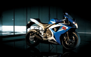 Suzuki GSX R750 wallpapers and stock photos