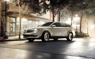 2013 Lincoln MKT Bewegung wallpapers and stock photos