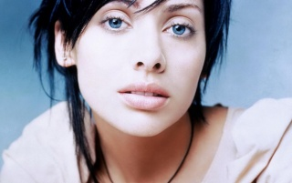 Beautiful Natalie Imbruglia Close-up wallpapers and stock photos