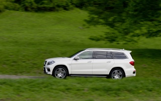 2013 Mercedes Benz GL 63 AMG Motion Side wallpapers and stock photos