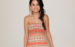 Next: Cute Selena Gomez