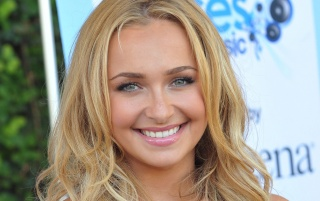 Hayden Panettiere, sonriente wallpapers and stock photos