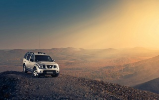 Nissan Pathfinder on Hill Top wallpapers and stock photos
