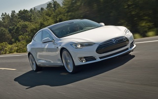 2012 Tesla Model S Weiß Motion wallpapers and stock photos