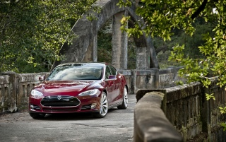 2012 Tesla Model S Red Front wallpapers and stock photos