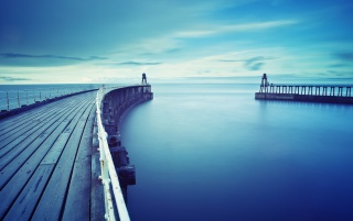 Docks Azul wallpapers and stock photos