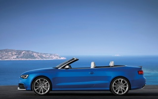 Next: 2013 Audi RS 5 Cabriolet Static Side
