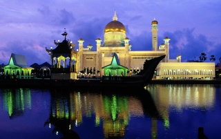 Sultan Omar Ali Saifuddin Mosque wallpapers and stock photos